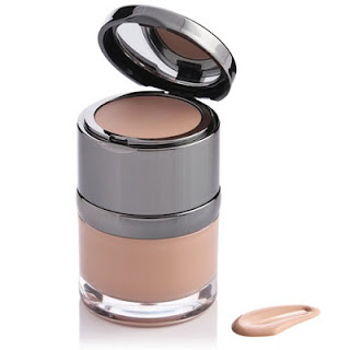 Invisible Radiance Foundation in Porcelain